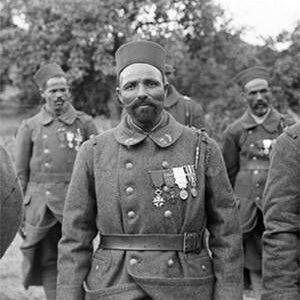 Un soldat du 7e tirailleur algérien décoré de la Légion d'honneur (crédit Moreau-Albert)